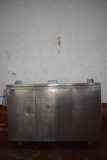 0221-11-desinfectador-cuchillos-2