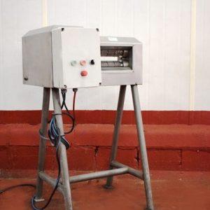 DESCORNADORA TOWNSEND TR6. CONSTRUIDA EN ACERO INOXIDABLE. FUNCIONAMIENTO ELECTRICO. MÁS INFORMACIÓN EN MULTYMAQ MAQUINARIA S.L - 968776081